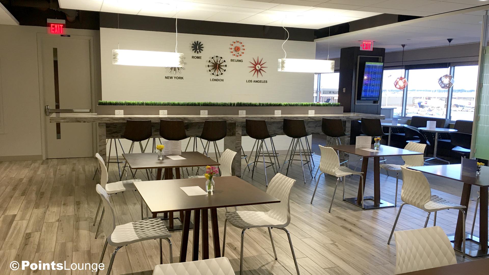 Escape Lounge at Minneapolis-St. Paul International Airport (MSP).